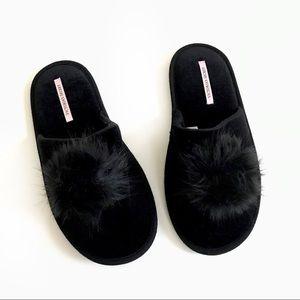 VICTORIA'S SECRET | Black Pom Pom Velvet Slippers